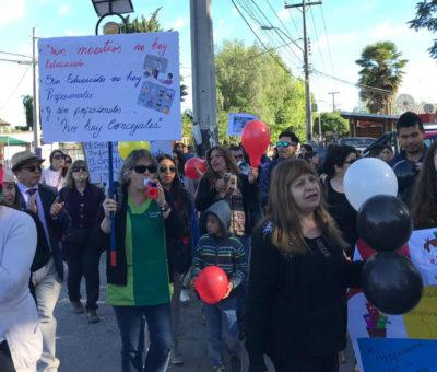 Profesores protestan en Rinconada por pago de bono pendiente del 2014