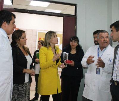 Exponen al Seremi de Salud proyectos contemplados en Hospital de Los Andes