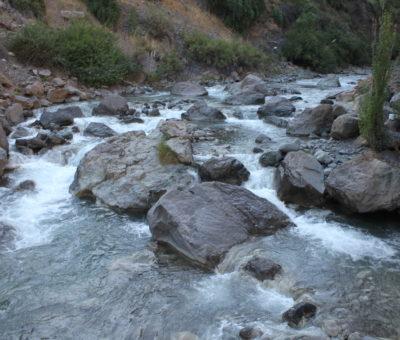 Codelco Andina los fines de semana aporta 500 litros de agua por segundo al río Aconcagua