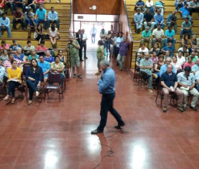 """Acusaciones de pago de campañas políticas por empresarios """"enturbiaron"""" asamblea ciudadana por agua en Panquehue"""