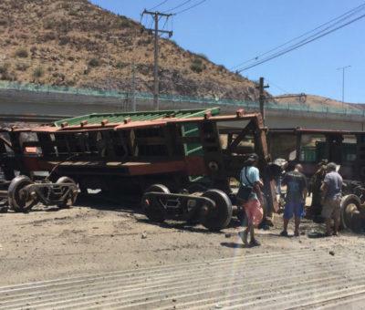 Tren metalero descarriló en cruce del puente El Rey en San Felipe