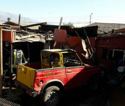 Vecino salvó de milagro con vida en incendio de su casa en San Felipe