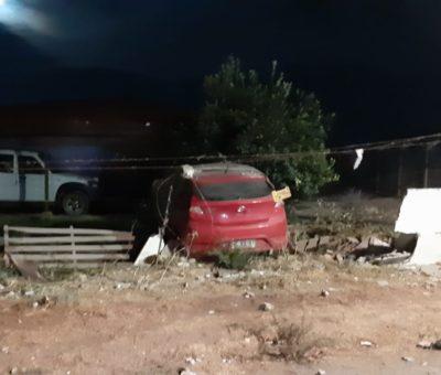 Conductor de automóvil muere al colisionar contra muro perimetral de vivienda camino a Putaendo