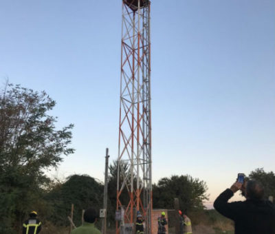Niño de 6 años subió a torre de 20 metros para ver San Felipe desde la altura