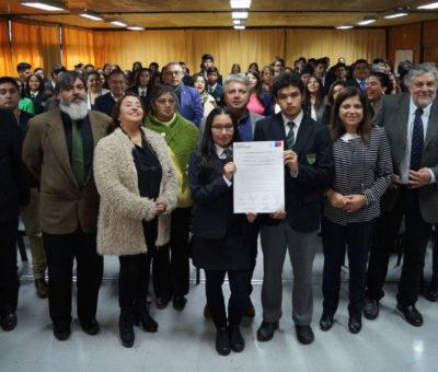 Liceos de Catemu, San Felipe y Los Andes suscriben el Compromiso Bicentenario 2019