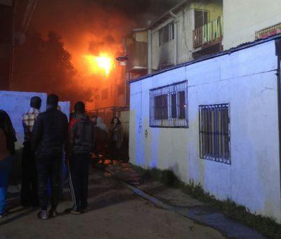 Incendio deja graves daños en cinco departamentos en la villa Departamental en San Felipe