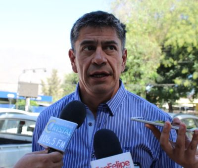 """Municipalidad de San Felipe afirma que denunció antes que Concejal Beals """"acusaciones de pago"""" para extracción de áridos"""