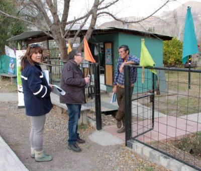 """Codelco Andina informa """"casa a casa"""" su gestión ambiental y comunitaria en el Camino Internacional"""