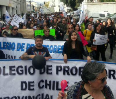 Masivas marchas de profesores se tomaron San Felipe y Los Andes