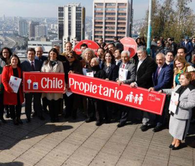 """Cinco municipios de Aconcagua firman convenio """"Chile Propietario"""" para facilitar trámite de Títulos de Dominio"""