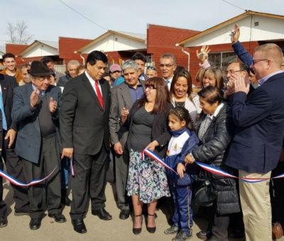 Entregan viviendas a 36 familias estafadas por constructora en Santa María