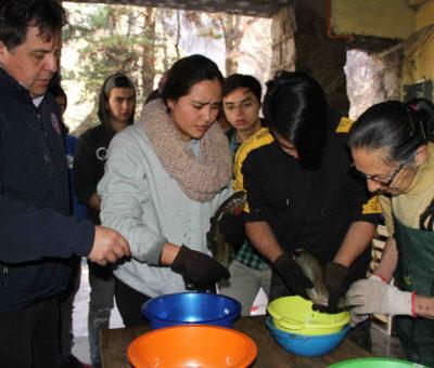 Estudiantes de la U. Católica del Norte conocen sobre cultivo ecológico de peces en Piscicultura Río Blanco