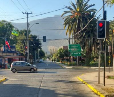 Panquehue celebra puesta en operación del primer semáforo de la comuna