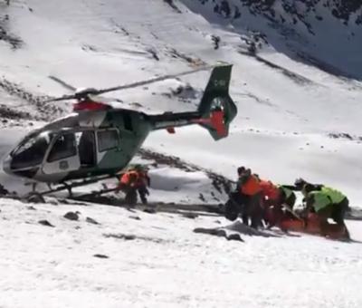 Rescatan sin vida a excursionista arrastrado por avalancha en cerro El Bastión en Los Andes