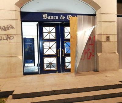 Vandalismo con apedreos y saqueos recorrió las calles de San Felipe