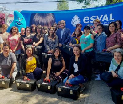 Esval inició la formación de 30 futuras Mujeres Gásfiter en el Valle de Aconcagua