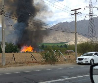Incendio de materiales acopiados en sector del puente Pocuro en San Felipe dejó sin electricidad a gran parte de Aconcagua