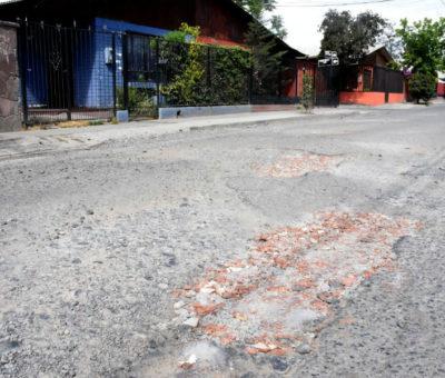 Municipalidad de Los Andes invierte más de 30 millones en programa de bacheos de calles
