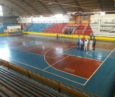 Aprueban $30 millones para cambiar piso de la cancha del gimnasio del Club Arturo Prat de San Felipe