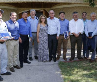Ministro de Agricultura conoce situación de comunas más afectadas por sequía en la región