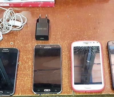 Adosados a una silla mujer intentó ingresar seis teléfonos celulares a cárcel de San Felipe