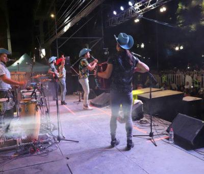 A plaza repleta con Vicho y Las Gaviotas terminó el Carnaval de la Chaya de Los Andes 2020