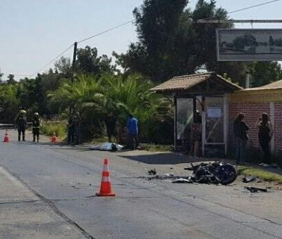 Fatal colisión frontal de motocicleta con camioneta en Panquehue
