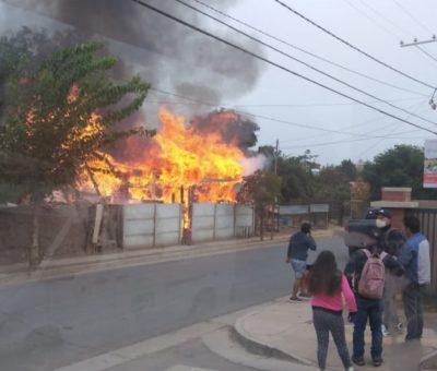 Adulta mayor de 63 años falleció en incendio que destruyó su casa en Calle Larga