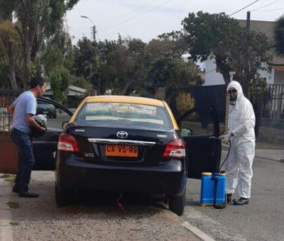 En Llay Llay Concejal impulsa entrega de mascarillas y sanitización de automóviles