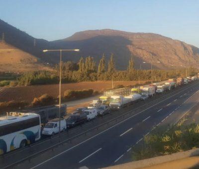 Por Covid-19 intensifican controles vehiculares en cuesta Chacabuco y Ruta 5 Norte
